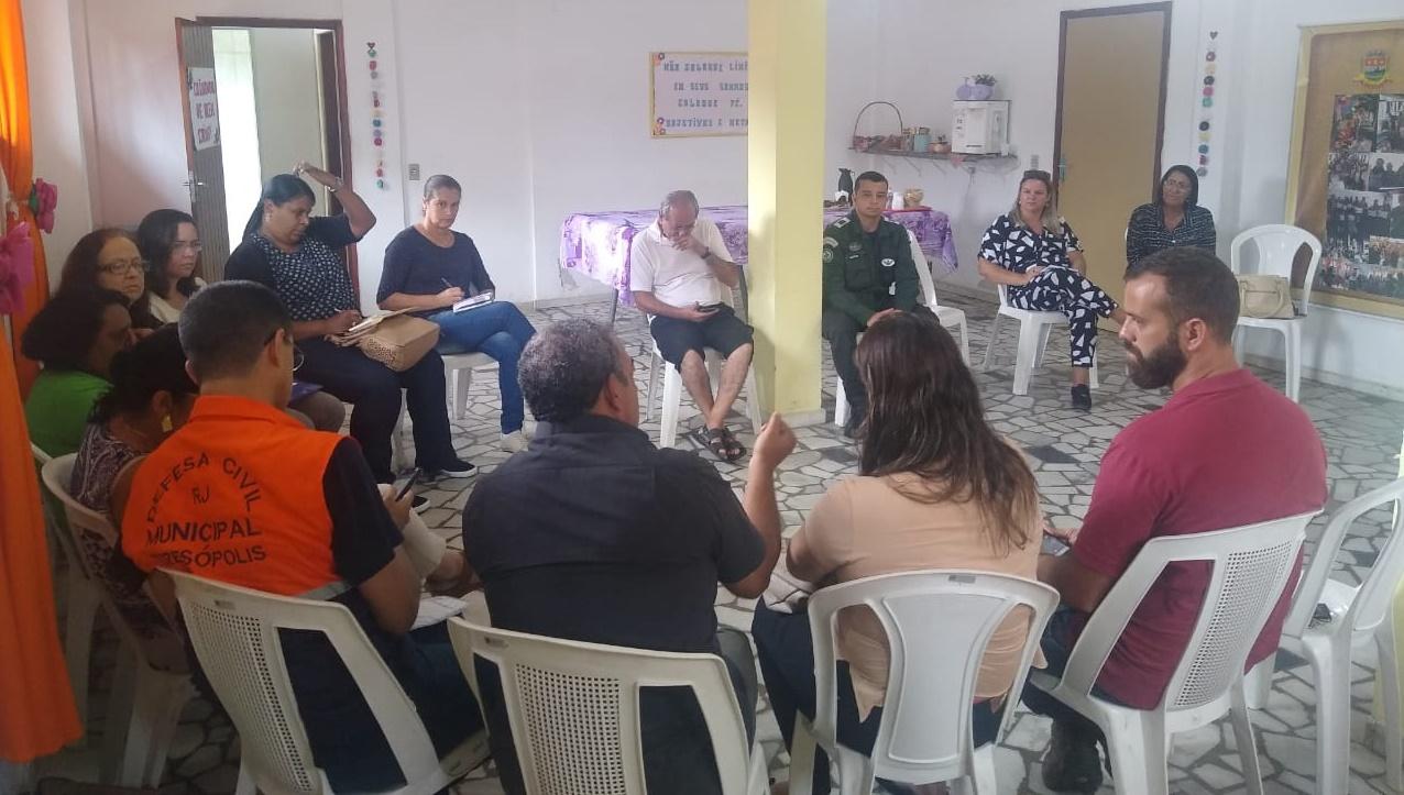 PADRÃO ÁGUIAS PARTICIPA DE REUNIÃO ESTRATÉGICA PARA AUXÍLIO NO PERÍODO CRÍTICO DAS CHUVAS EM TERESÓPOLIS, RJ